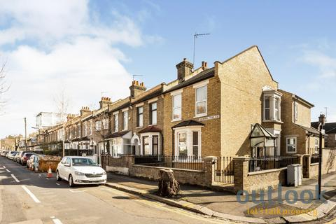 2 bedroom terraced house to rent - Balmoral Road, Leyton