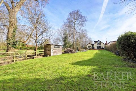 4 bedroom detached house for sale - Take a look at Willowbrook