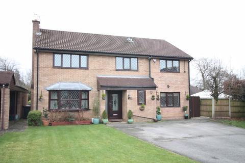 5 bedroom detached house for sale - Long Meadow, Westbury Park