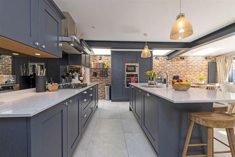 2 bedroom flat for sale - Cicada Road, Wandsworth, London