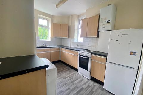 2 bedroom maisonette to rent - Myddelton Avenue, Enfield