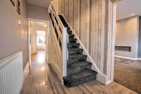 3 bedroom semi-detached house for sale - Neasham Road, Middleton St. George, Darlington