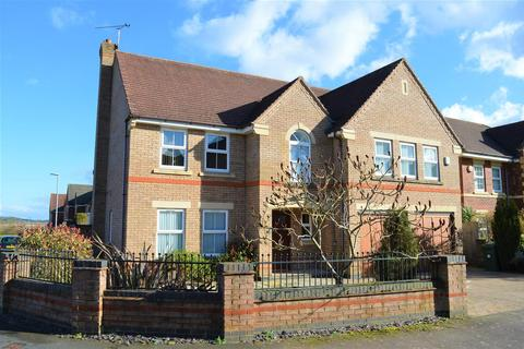 5 bedroom detached house for sale - The Avenue, Stretton Hall
