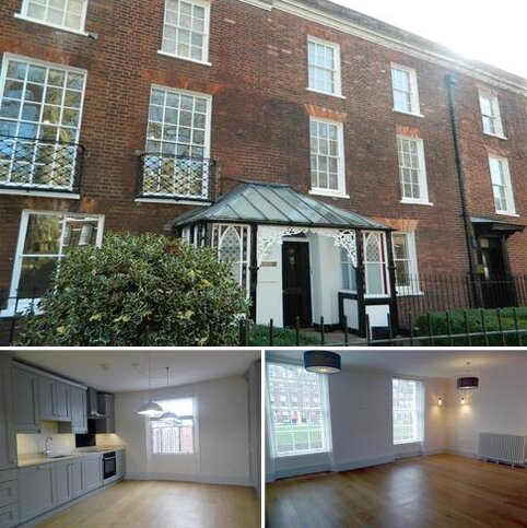 3 bedroom terraced house to rent - Southernhay East, Exeter