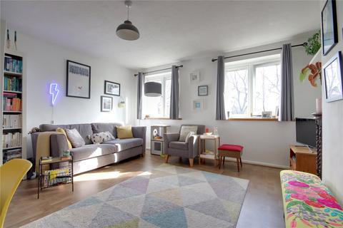 2 bedroom maisonette for sale - Hertford Road, Enfield, Middlesex, EN3