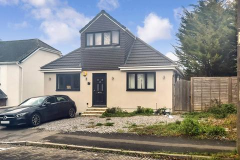 3 bedroom bungalow for sale - 1a Warwick Crescent, Kent, ME1 3JZ