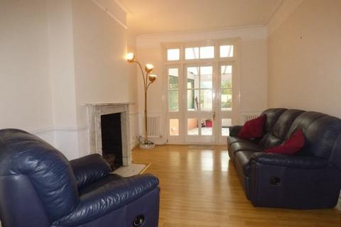 3 bedroom house to rent - Noel Road, Acton