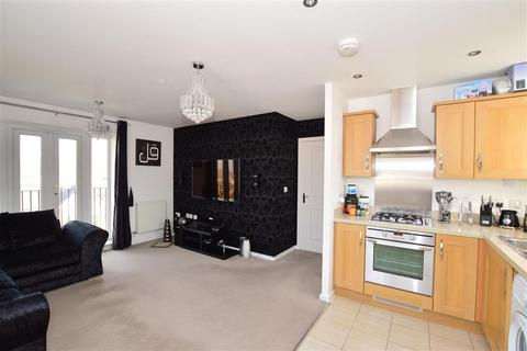 2 bedroom flat for sale - Heathcotes, Crawley, West Sussex