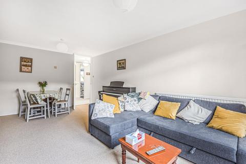 2 bedroom flat for sale - Stoneycroft Close, Lee