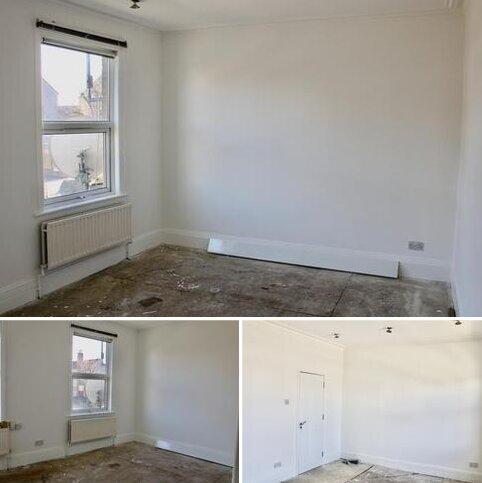 2 bedroom flat to rent - Hoe Street , Walthamstow  E17