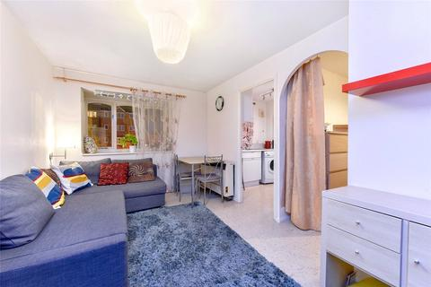 1 bedroom flat to rent - Inwen Court, Grinstead Road, London, SE8