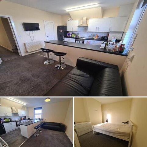3 bedroom flat share to rent - Noster Terrace, Beeston, Leeds LS11