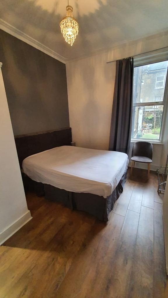 Beautifully Presented Two Bedroom Apartment, Maid