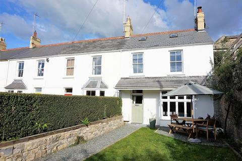 3 bedroom end of terrace house for sale - College Terrace, Llantwit Major, The Vale Of Glamorgan. CF61 1SE