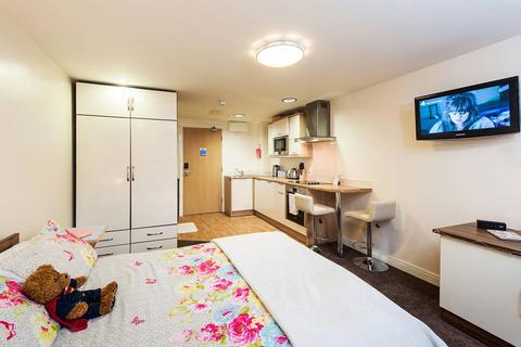Studio to rent - 38 Smith St, Bradford, England BD7 1DJ