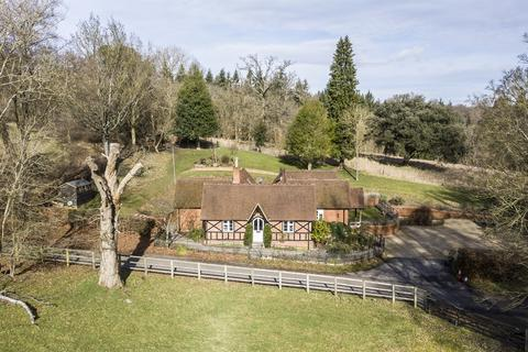 4 bedroom detached house for sale - Fawley, Henley-on-Thames, RG9