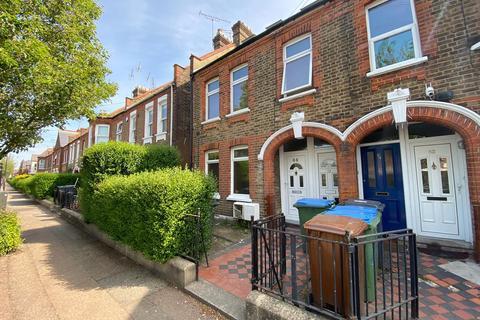 2 bedroom flat to rent - Fleeming Road, Walthamstow, E17