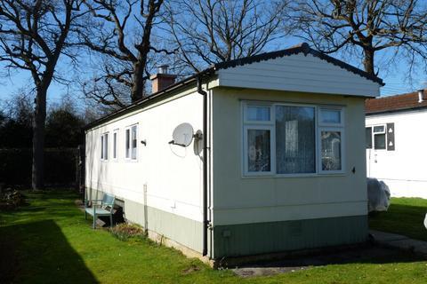 1 bedroom park home for sale - Edenbridge outskirts