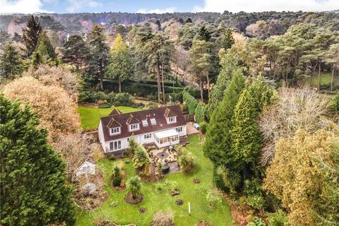 4 bedroom detached house for sale - Avon Castle Drive, Avon Castle, Ringwood, Hampshire, BH24