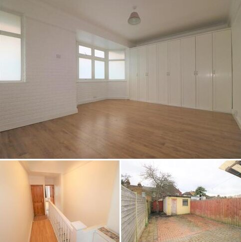 3 bedroom terraced house to rent - MAYFAIR AVENUE IG1