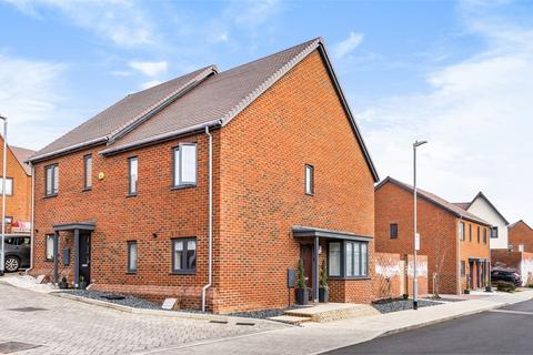 3 bedroom semi-detached house for sale - Hoadley End, Castle Hill, Ebbsfleet Valley, Swanscombe, Kent