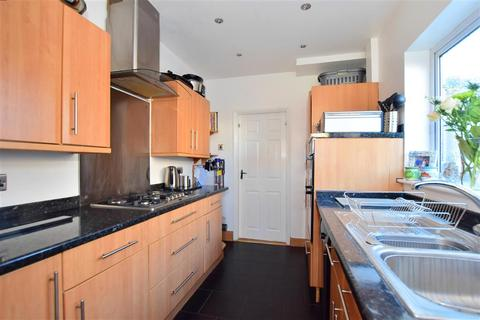 3 bedroom semi-detached house for sale - Chelmer Road, Upminster, Essex