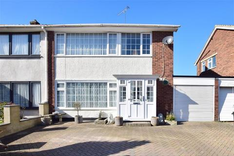 3 bedroom semi-detached house for sale - Caernarvon Close, Hornchurch, Essex
