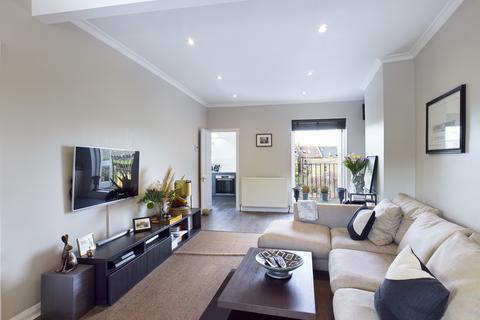2 bedroom flat for sale - Ondine Road,  London, SE15