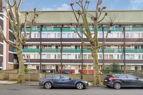 3 bedroom flat for sale - St Helena Road, SE16