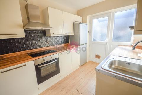 3 bedroom terraced house to rent - Hudson Road, Sheffield, S13