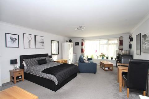 Ground floor flat to rent - Wallace Avenue, Worthing, BN11 5QD