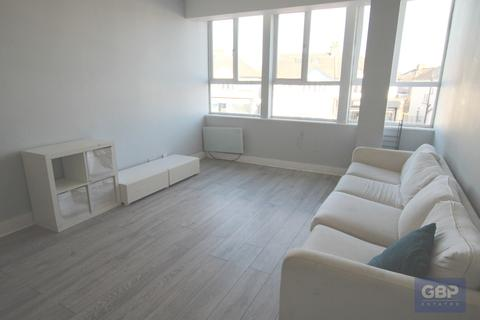 2 bedroom apartment to rent - South Street, Romford