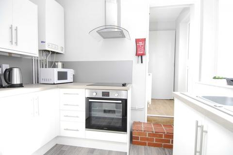 1 bedroom apartment to rent - 36 Houndiscombe Road, Flat 2