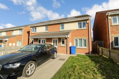 3 bedroom semi-detached house for sale - Fenwick Drive, Blyth