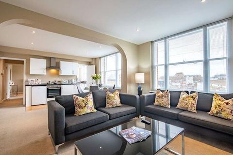 2 bedroom flat to rent - Hill Street, London, W1J