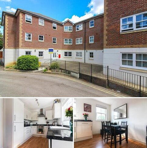2 bedroom apartment to rent - Hemnall Mews , Epping
