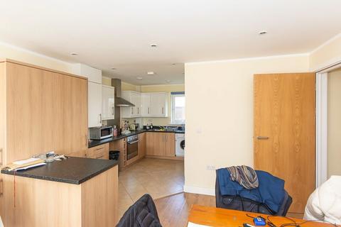 3 bedroom apartment to rent - Cubitt Apartments, Battersea