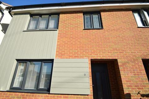 3 bedroom semi-detached house to rent - Logie Baird Way, Hastings, East Sussex, TN34 3TY