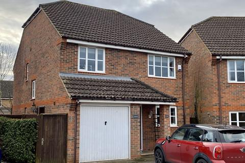 4 bedroom detached house to rent - Orchard Close, Caddington
