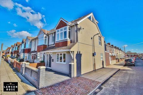 4 bedroom end of terrace house for sale - Shirley Avenue, Southsea