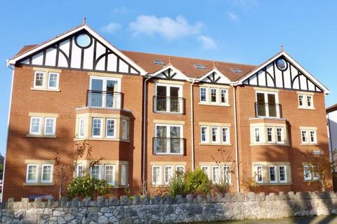 3 bedroom apartment for sale - Llannerch Road East, Rhos on Sea