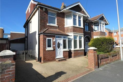 4 bedroom semi-detached house for sale - Holmfield Road, Bispham, Blackpool