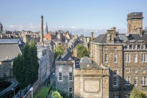 2 bedroom flat to rent - Drummond Street, New Town, Edinburgh