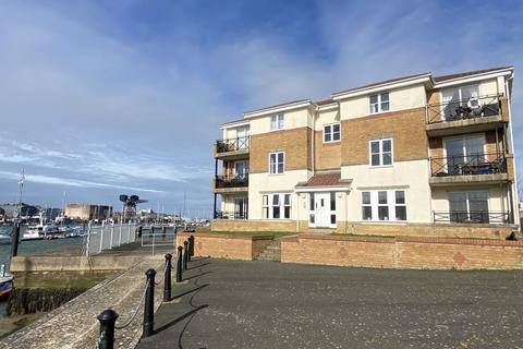 2 bedroom apartment for sale - EAST COWES     PO32 6EW