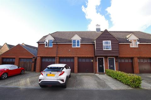 2 bedroom coach house for sale - Birkdale Close, Redhouse, Swindon