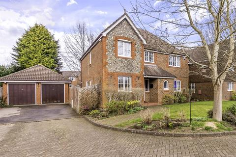 4 bedroom detached house for sale - The Dell, Tadworth
