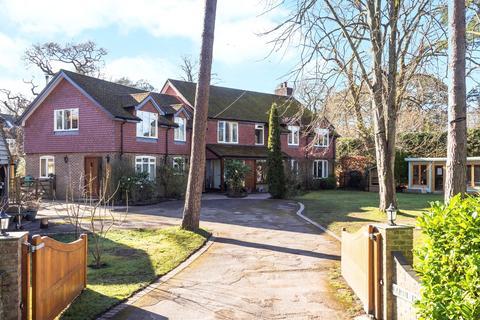 6 bedroom detached house for sale - Armstrong Road, Brockenhurst, SO42