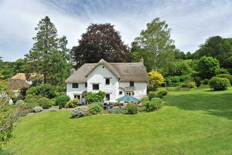 4 bedroom detached house to rent - Lustleigh