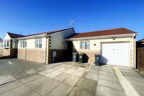 2 bedroom semi-detached bungalow for sale - Kilburn Gardens, Percy Main, North Shields, NE29
