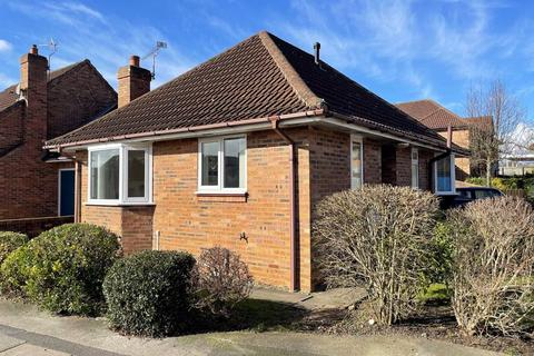 2 bedroom detached bungalow for sale - May Court, Pocklington